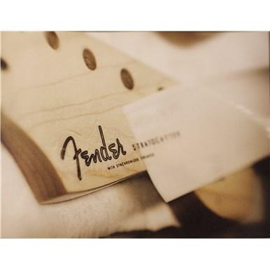 Fender: Building A Legend -