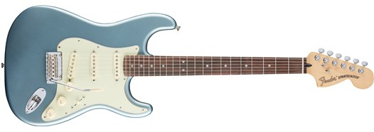 Deluxe Roadhouse™ Strat® Mystic Ice Blue