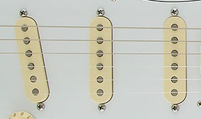 REVERSE-MOUNTED PICKUPS