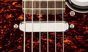 CHROME-COVERED SINGLE-COIL PICKUP