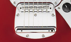 FLOATING BRIDGE WITH DYNAMIC VIBRATO TAILPIECE AND VINTAGE-STYLE TREMOLO ARM