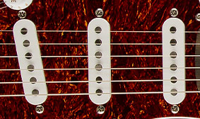 ALNICO SINGLE-COIL PICKUPS