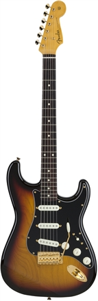 Made in Japan Traditional 60s Stratocaster® with Gold Hardware - 3-Color Sunburst