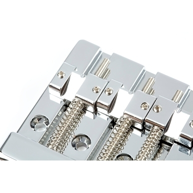 Fender® HiMass™ 4-String Bass Bridge Assembly With Zinc Saddles view 1.0