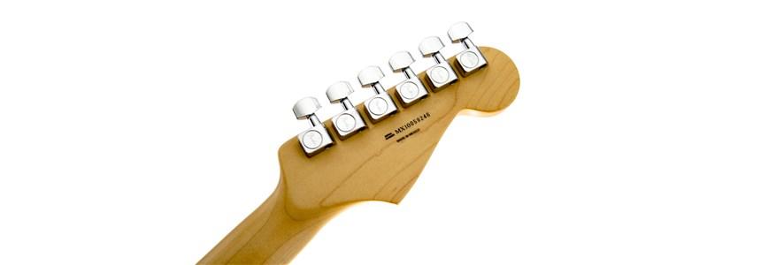 Standard Stratocaster® Left-Hand - Lake Placid Blue