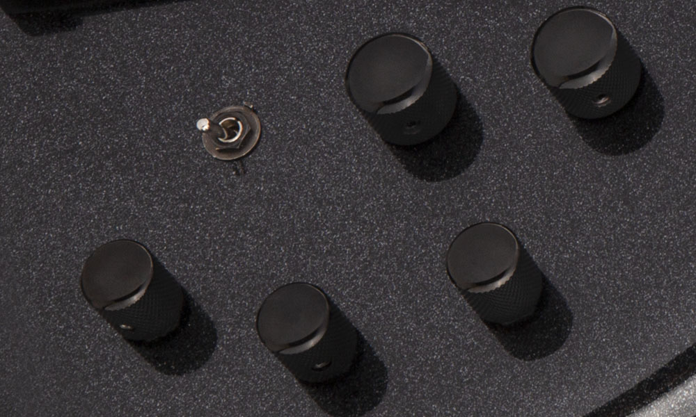 VOLUME CONTROL WITH PUSH/PULL FOR ACTIVE/PASSIVE OPTIONS & TWO-WAY TOGGLE SWITCH FOR PICKUP COIL SPLIT