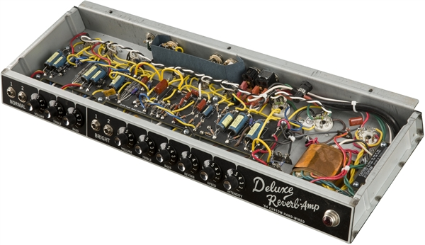 64 Custom Deluxe Reverb® | Guitar Amplifiers on