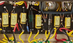 VINTAGE-STYLE YELLOW CAPACITORS