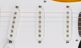 SQUIER STANDARD SINGLE-COIL PICKUPS