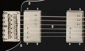 FENDER-DESIGNED WIDE RANGE HUMBUCKING PICKUPS