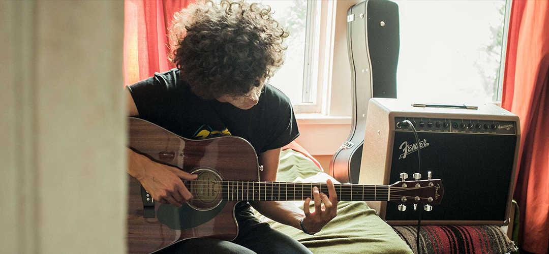 5-beginner-tips-learning-play-guitar