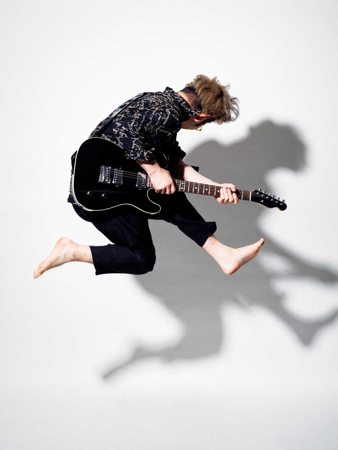 FLY WITH FENDER