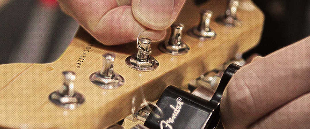 the-easy-way-to-change-your-electric-guitar-strings