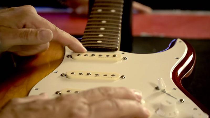 Fender Modern Pickguard Jazz Bass 10-Hole White 3-Ply